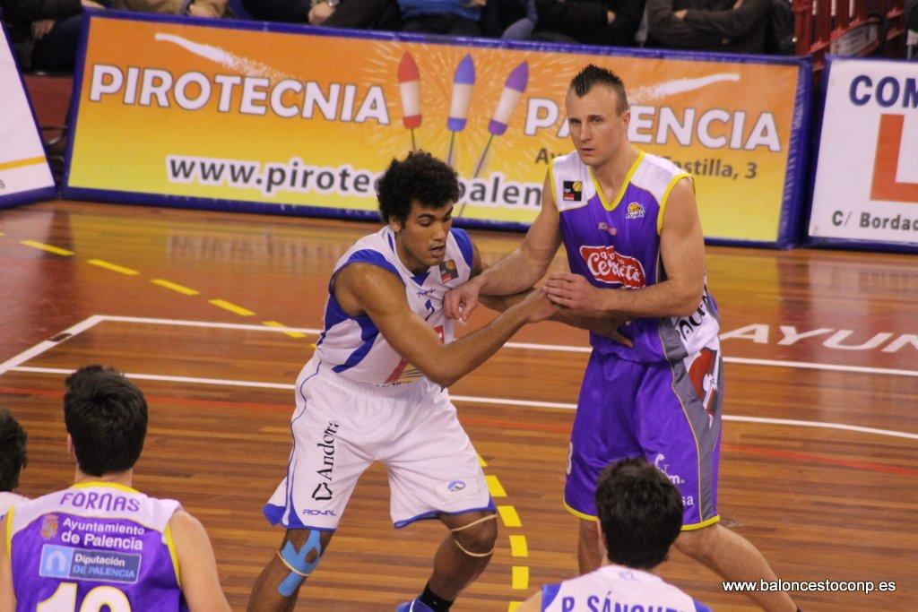 Porzingis en el partido ante Andorra. Foto www.baloncestoconp.es