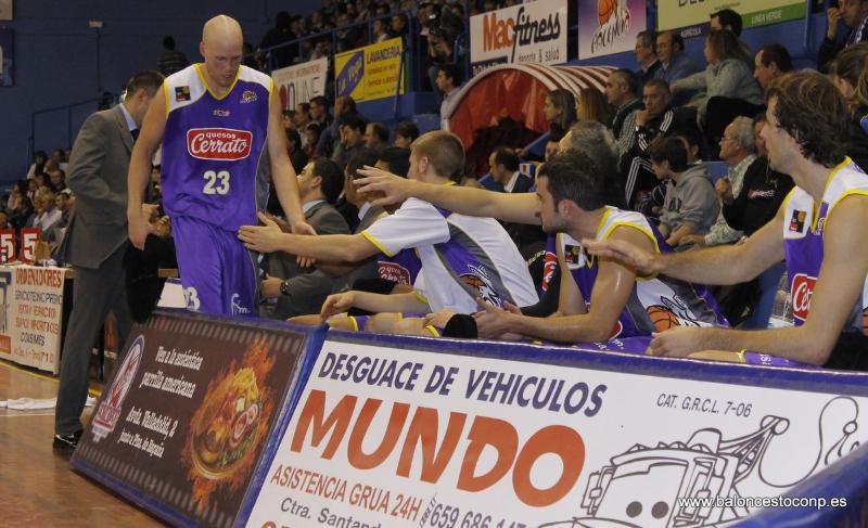Tveidt se estrena en el Trofeo de la Peña Basket Morao. Foto www.baloncestoconp.es