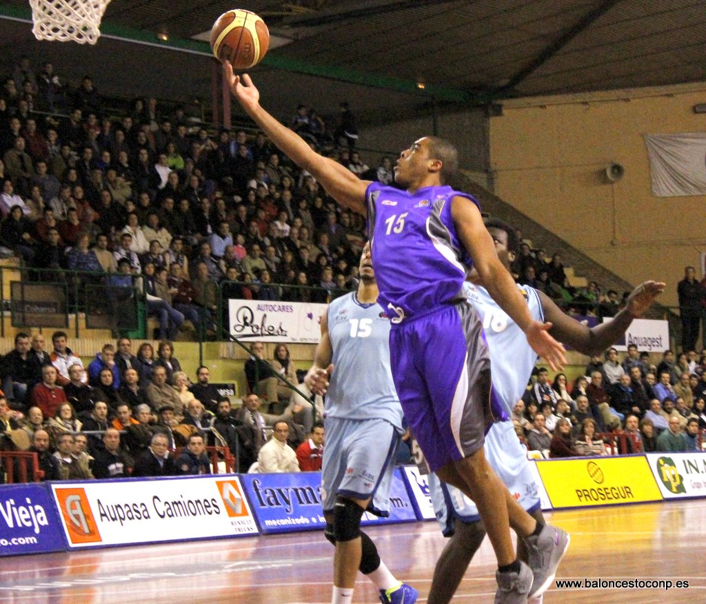 McDermott lidera ya el Trofeo. Foto baloncestoconp.es