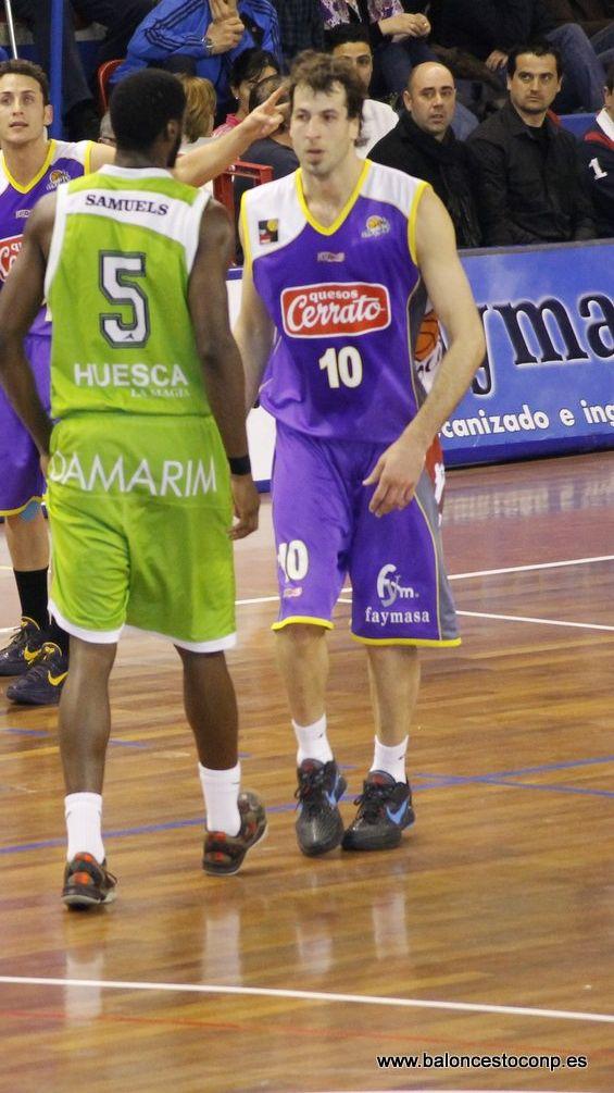 Urko Otegui fue el mejor de nuevo, y lidera el trofeo con diferencia. Foto Baloncesto con P.