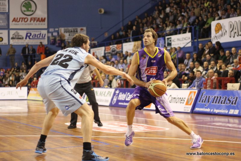 Urko recupera el liderato. Foto Baloncestoconp.es