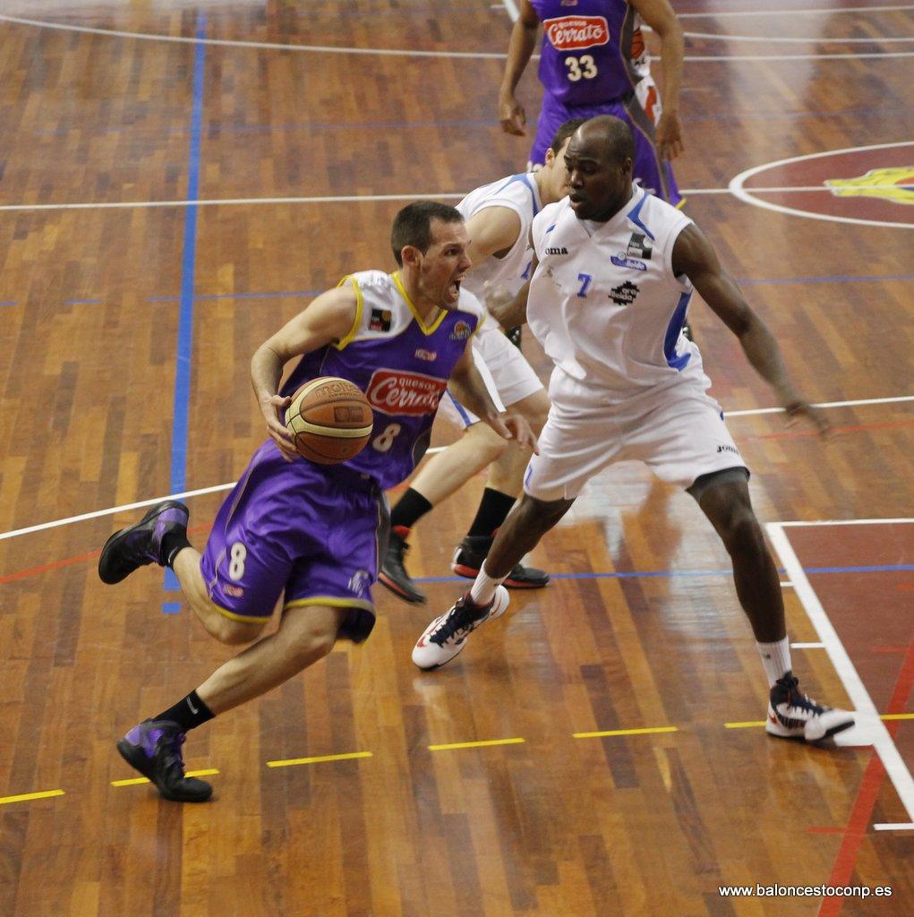 Carles Bravo da emoción al Trofeo Basket Morao. Foto Baloncesto con P