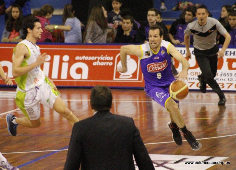 Carles Bravo se consolida como líder del Trofeo. Foto www.baloncestoconp.es