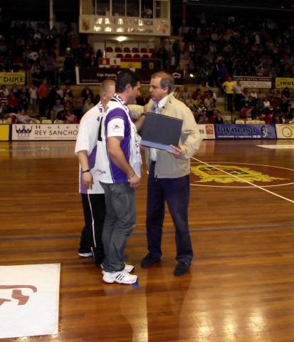La Peña Basket Morao homenajeó a la directiva de Palencia Baloncesto