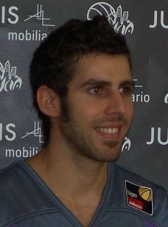 Adrian Fuentes en la presentación de Palencia Baloncesto