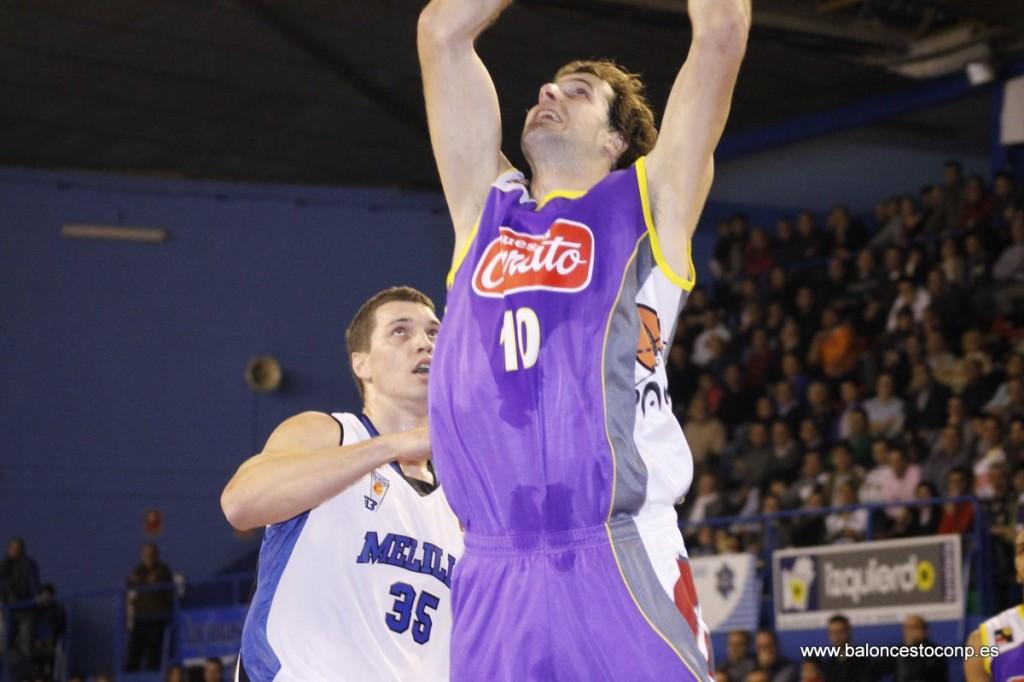 Urko Otegui fue el mejor ante Melilla. Foto www.baloncestoconp.es