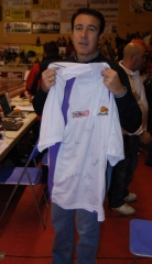 El ganador del sorteo de la camiseta firmada por los jugadores